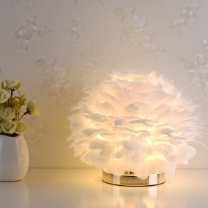 Feather Shade Table Lamp with 1 Light Metal Base in Brushed Brass